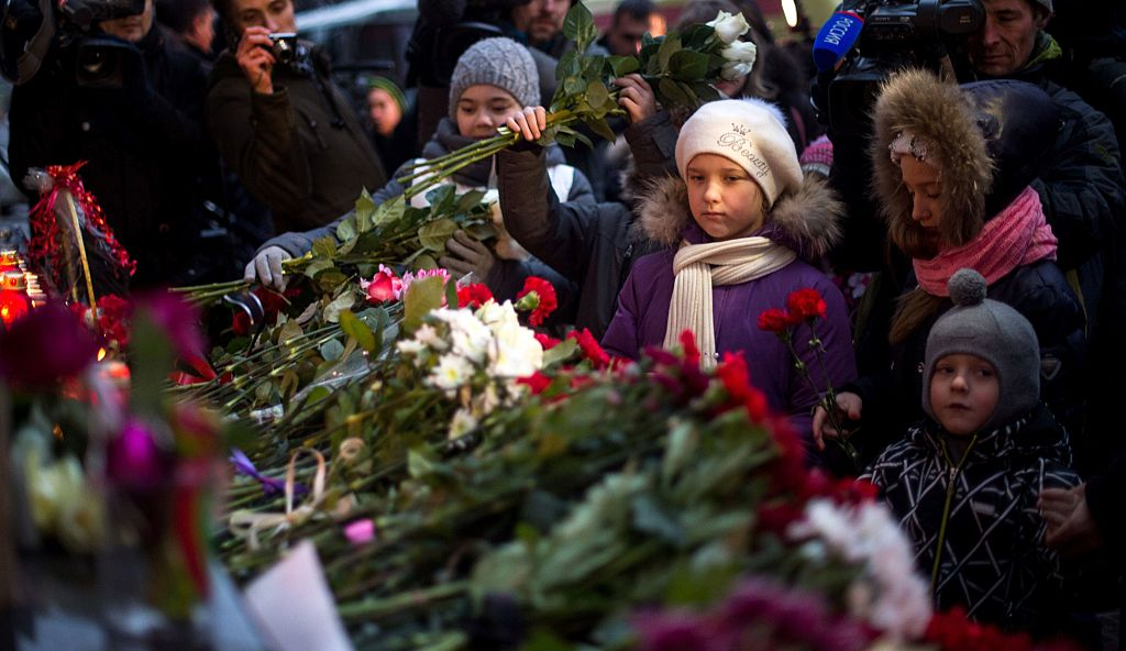 Christmas Day 2016: Around the World In Brief