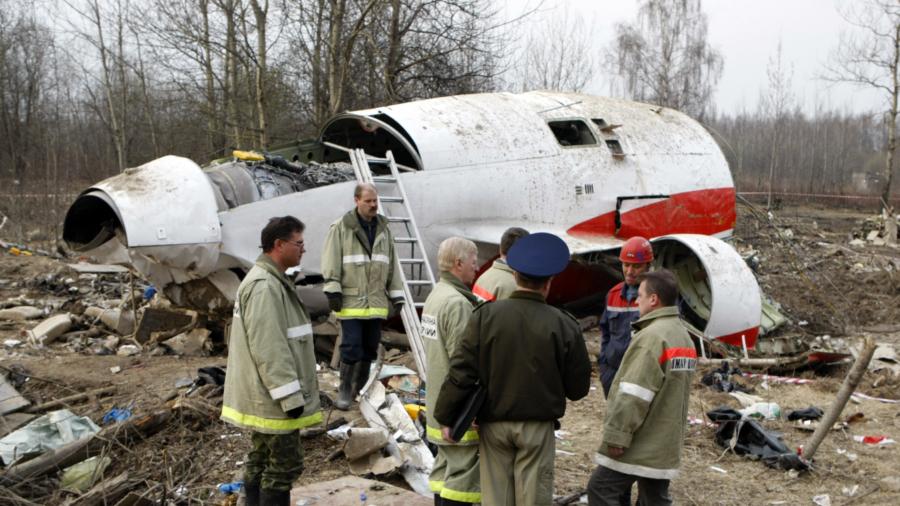 Poland seeks foreign help to probe fatal 2010 crash