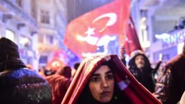 Turks criticize Dutch authorities for escorting minister to German border