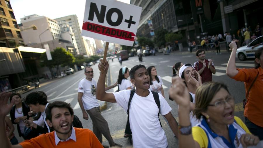 Venezuela reverses decision to remove congress