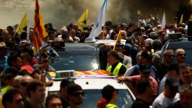 Spanish taxis strike against Uber, Cabify ride services