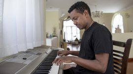 Ethiopian singer topping world music charts has political message for listeners