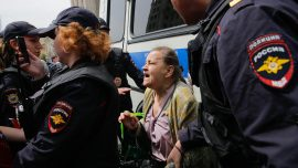 Russia police arrest dozens during Moscow protest