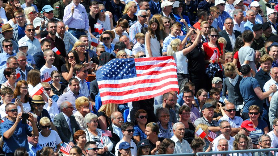 Supportive crowd welcomes President Trump to Poland