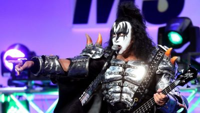 Gene Simmons of KISS Gives Emotional Speech Hailing America as 'The Promised Land'