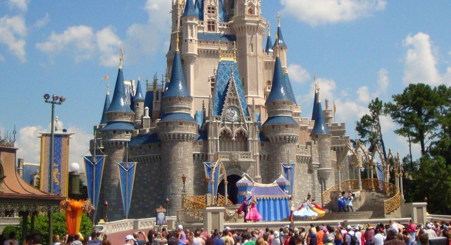 A Little Girl's Dad Gains Popularity After Video of Him Singing at Disney World Resort Goes Viral