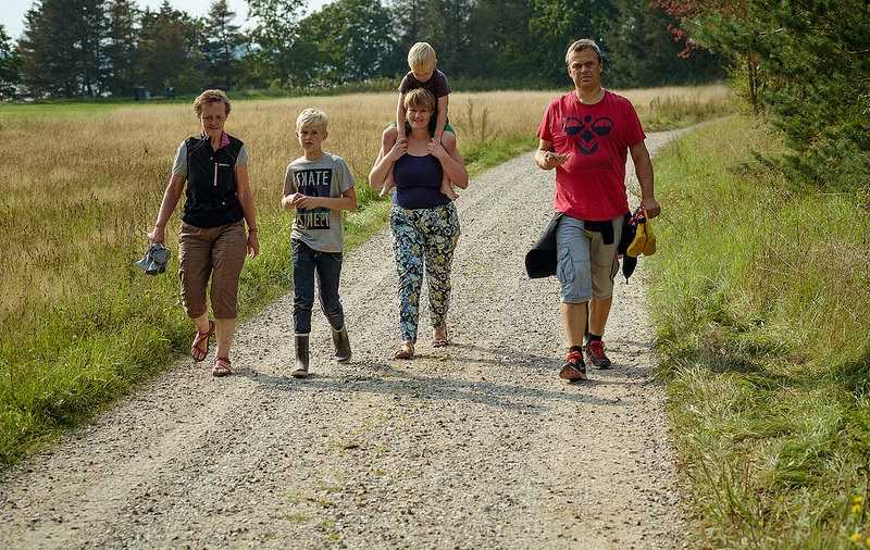 Outdoor Walking Meetings Boost Your Mental and Physical Health