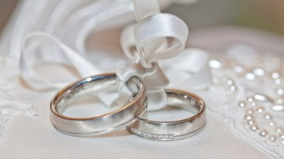 Couple Born on the Same Day in Same Hospital Get Married