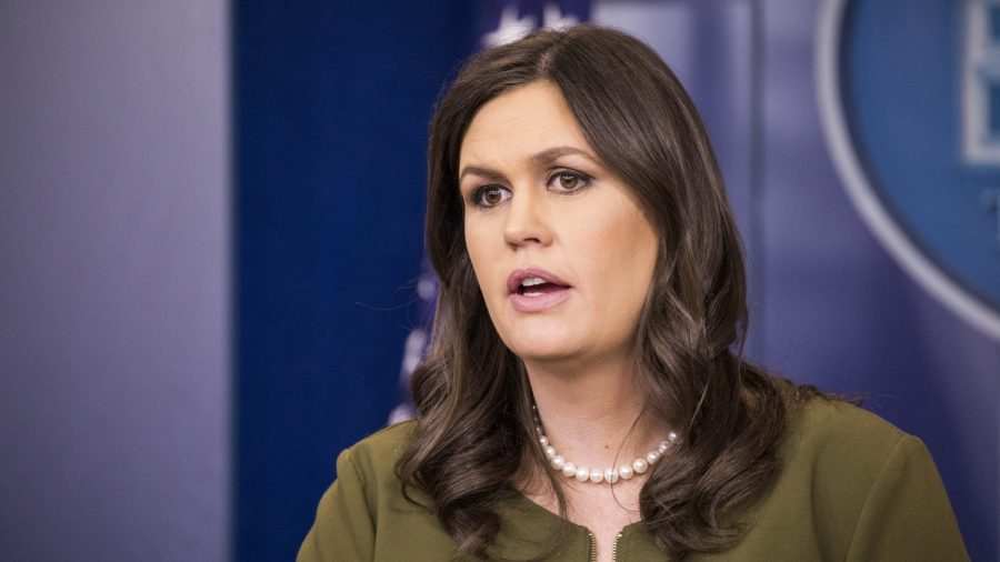 Sarah Sanders: Lawmakers Not 'Smart Enough' to Understand Trump's Taxes