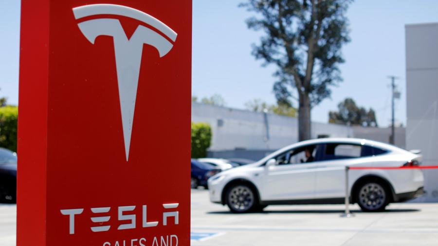 Tesla's Musk Offers to Make Ventilators Amid Shortage in Coronavirus Battle