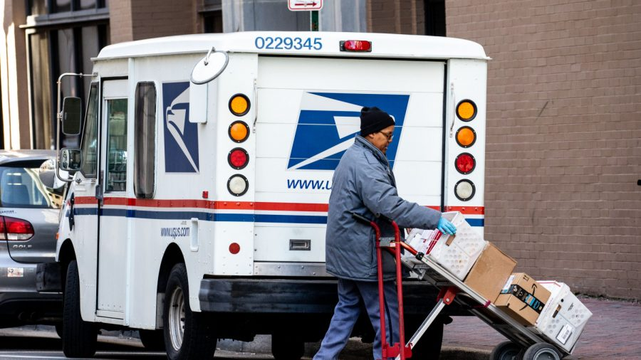 Three Postal Workers Attacked by Dogs, Agency Stops Service in Iowa Neighborhoods