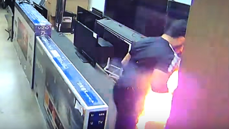 Mohamad Zayid Abdihdy was checking out a TV when his e-cigarette exploded