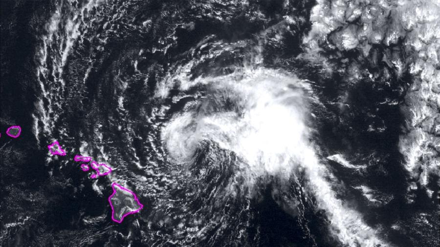 Maui Hunkers Down for Tropical Storm Olivia Nearing Hawaii