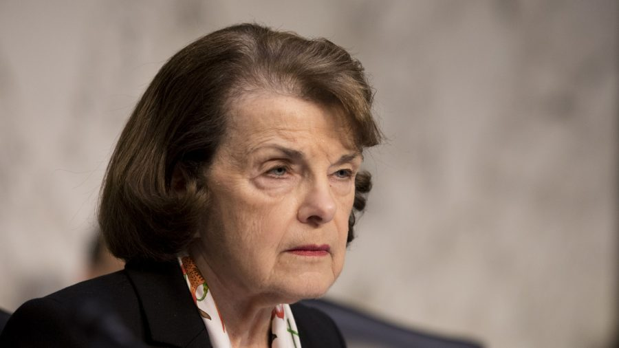 Feinstein Disputes Report That She Was Leaning Toward Voting to Acquit Trump