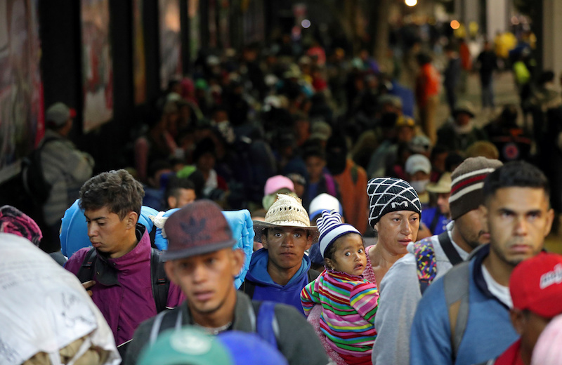 Crowds of migrants heading to United States