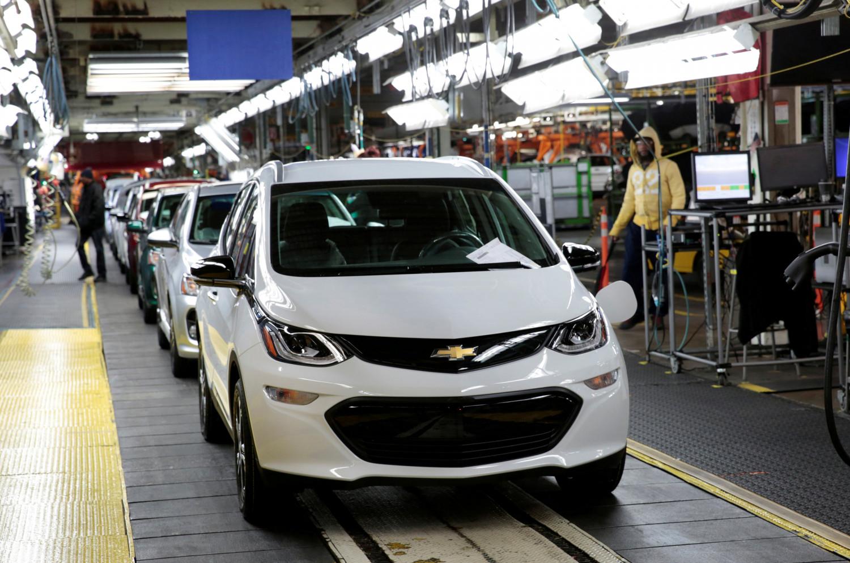 GM to slash jobs