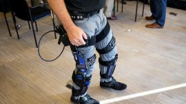 Pentagon Looks to Exoskeletons to Build 'Super-Soldiers'