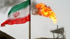 US to End Iran Oil Waivers, Aiming to Squeeze Tehran's Exports to Zero