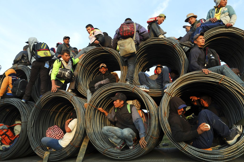 migrant caravan headed to California