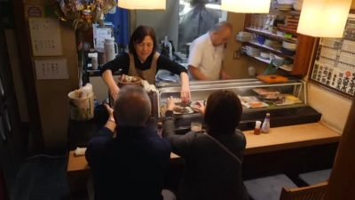 A Tokyo District Hangs Onto Its Last Sushi Stop