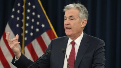 Fed Sees No Rate Hikes in 2019, Plans to Slow Balance Sheet Reduction