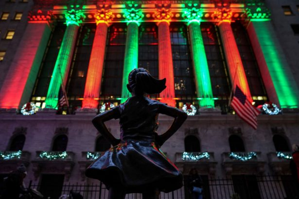 'Fearless Girl' statue across from the New York Stock Exchange
