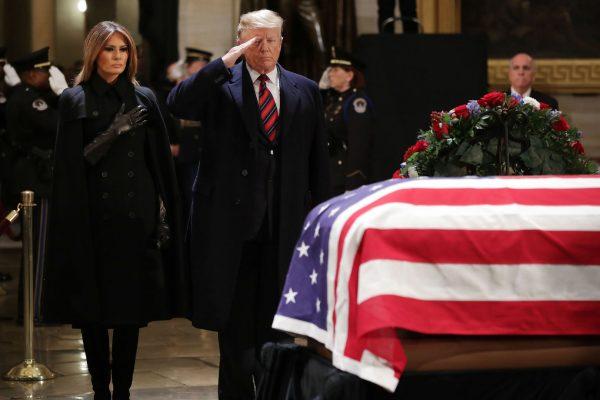 Trump-and-Melania-attend-funeral-for-George-HW-Bush-600x400