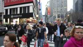 U.S. Consumer Prices Unchanged; Underlying Inflation Firm