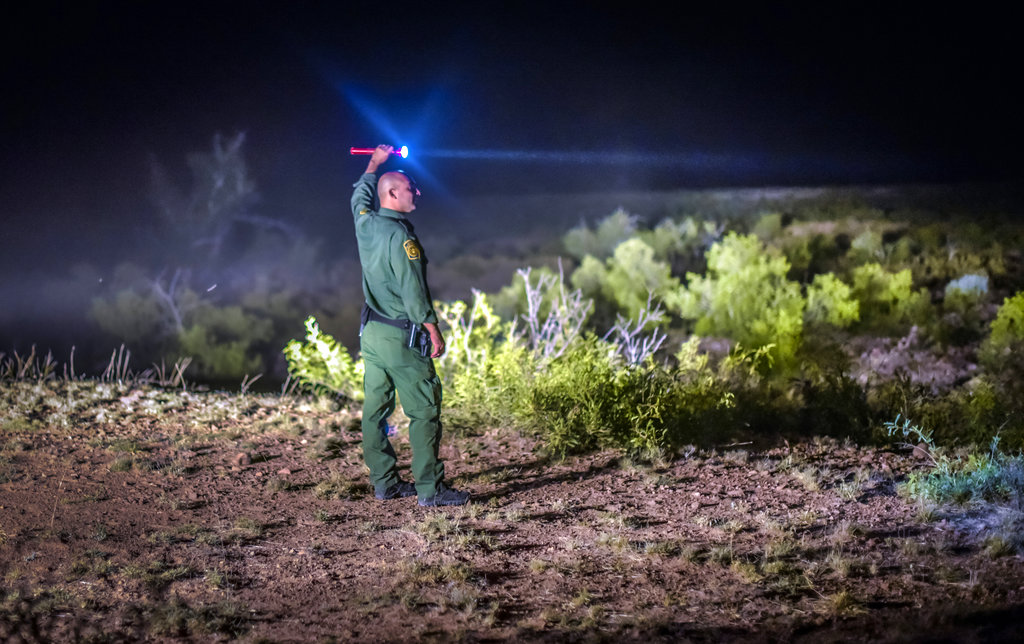 Border Patrol searches desert