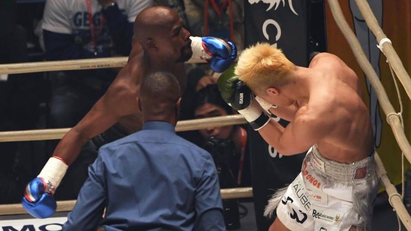41-Year-Old Floyd Mayweather Beats a 20-Year-Old Japanese Kickboxing Champ on NYE