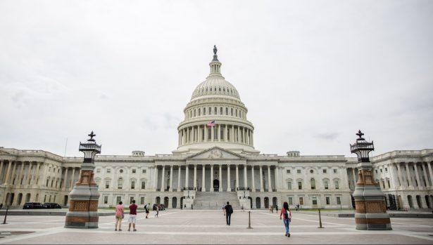 House Passes $1T Spending Bill as Budget Talks Resume