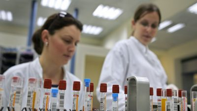 New Blood Test Could Detect Alzheimer's a Decade Before Symptoms Show, Scientists Say