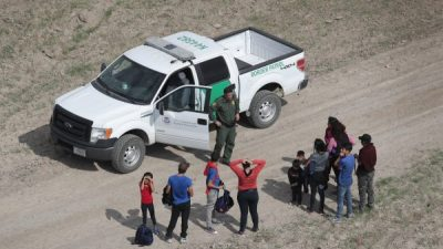 Hundreds of Migrants Released From Overcrowded Facilities at Border