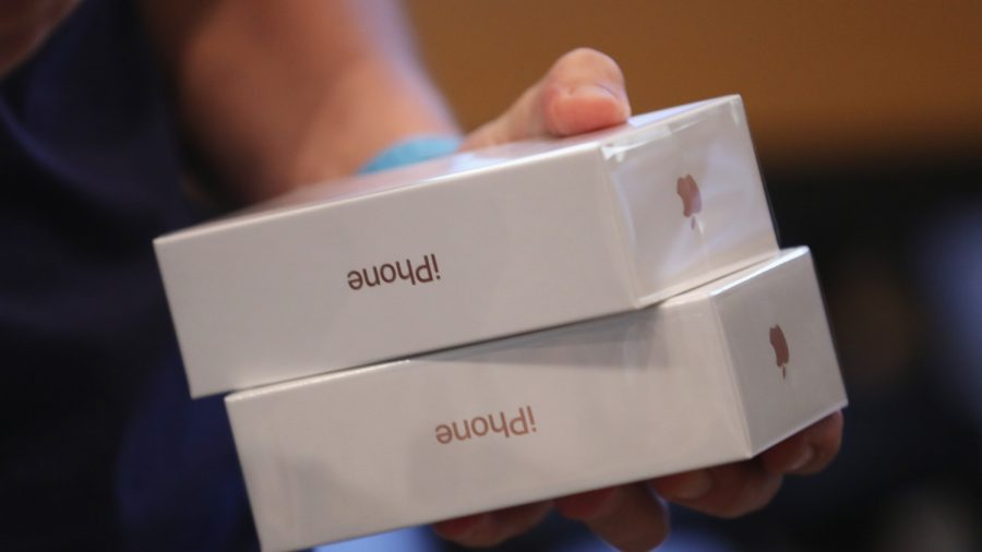 Qualcomm Enforces Ban to Halt Some Apple iPhone Sales in Germany