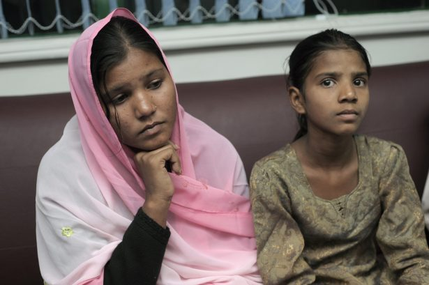 Sidra (L) and Esham, the daughters of Aasia Bibi, a Christian mother sentenced to death