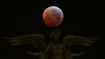 Meteoroid Smacked into Moon During January Lunar Eclipse, Researchers say