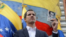US Calls on World to 'Pick a Side' on Venezuela; Europeans Set to Recognize Guaido