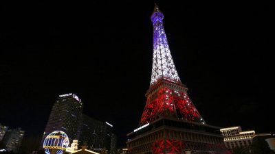 Eiffel Tower Replica in Las Vegas Debuts New Light Show
