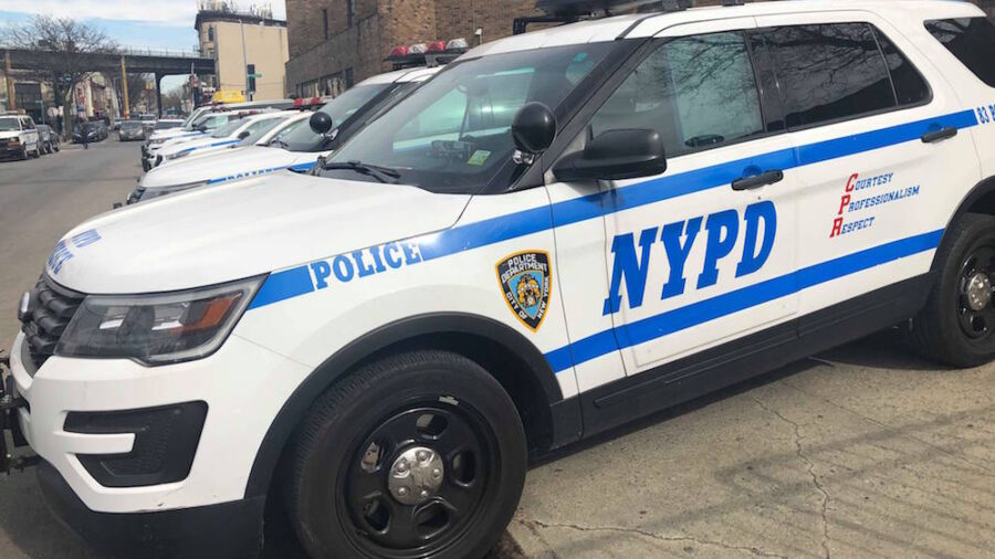 Man Fatally Shot in New York While Holding Hands With 7-Year-Old Daughter, Video Shows