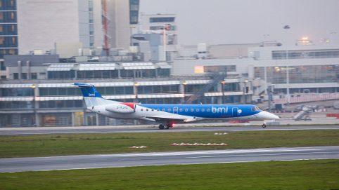Hundreds Stranded as British Airline Flybmi Collapses