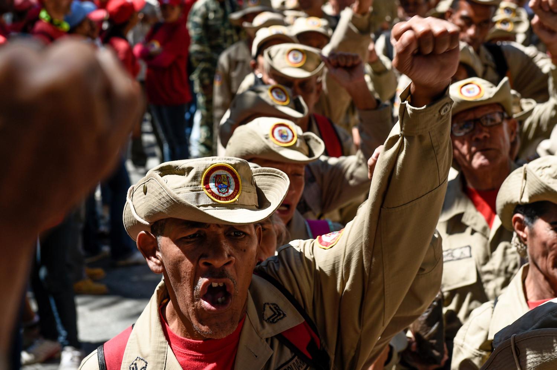 Venezuelas-Bolivarian-militia-support-maduro