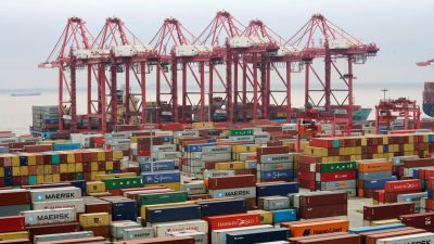 Trump's $200 Billion Tariff Hike Takes Effect as US-China Trade Talks Head Into Second Day