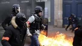 French Yellow Vest Anti-Government Protests Turn Violent in Paris