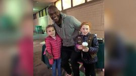 Man Spends $540 on Girl Scout Cookies so Girls Can 'Get Out of This Cold'