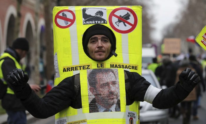 French 'Yellow Vests' March Through Paris