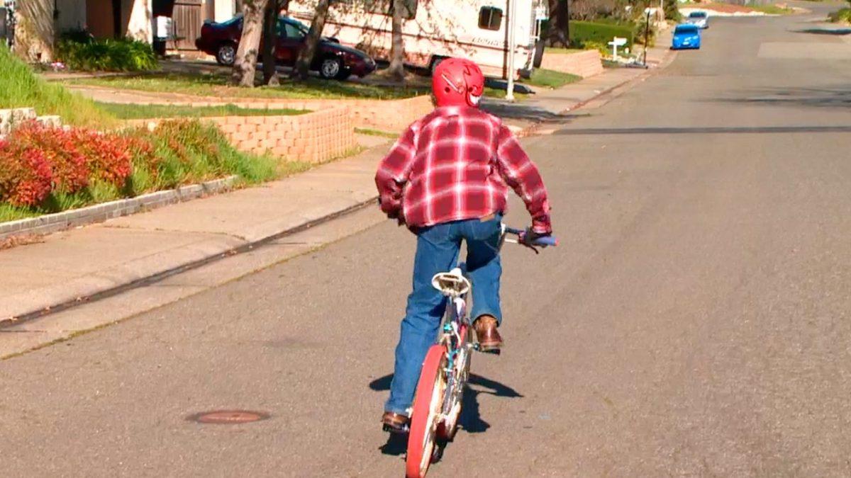 Jet Massagli riding bike