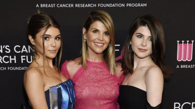 USC Confirms Lori Loughlin's Daughters Olivia Jade, Isabella Giannulli Still Enrolled as Students