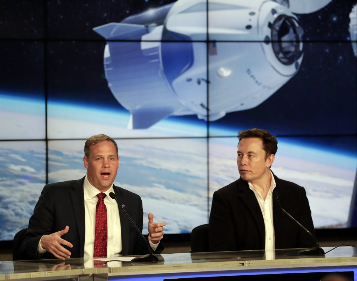NASA SpaceX dragon capsule 5
