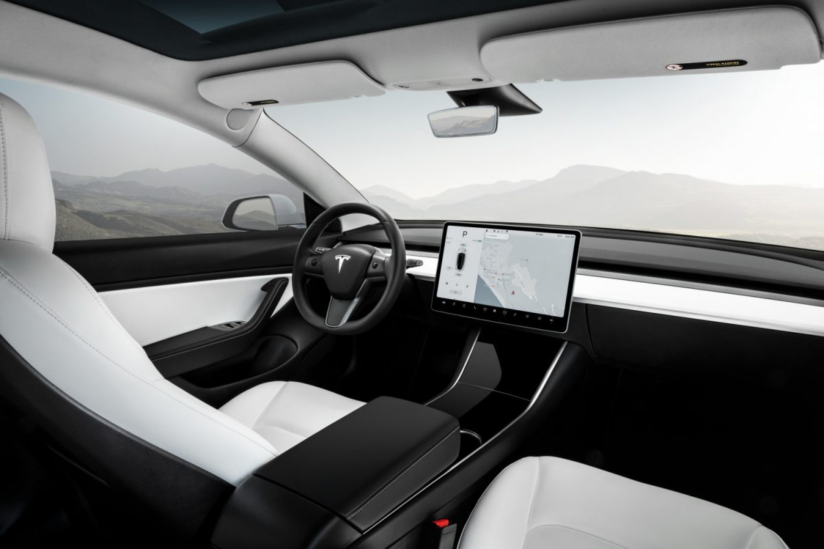 Tesla Model 3 Awd >> Tesla to Close Stores to Reduce Costs for $35,000 Model 3