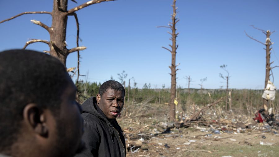 Monster Twister Takes 10 Relatives From 1 Alabama Family